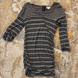 NWOT Jessica Simpson 3/4 Sleeve Maternity Top
